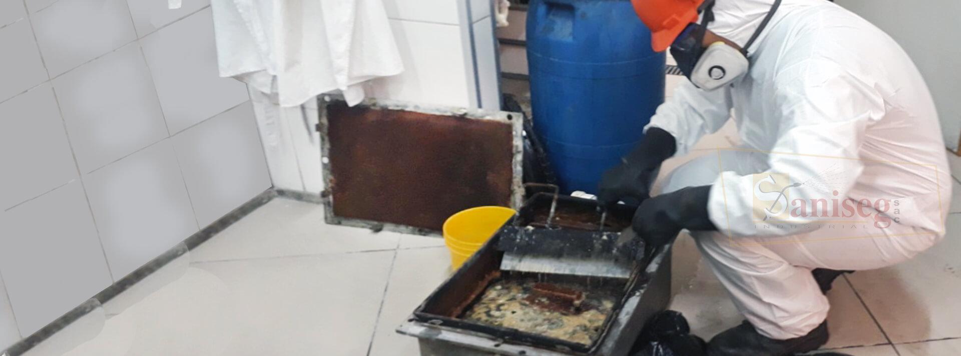 Limpieza de cajas interceptoras de grasas y aceites