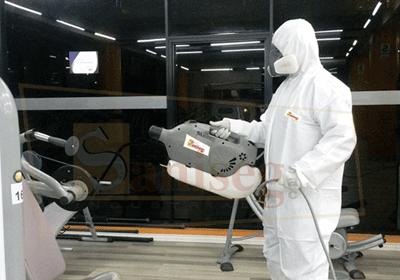Desinfectando ambientes con nebulizadora ulv saniseg