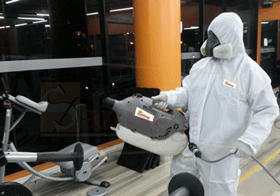 Proceso de desinfeccion o aplicacion de desnfectante a espacios contaminados con virus y bacterias patogenas