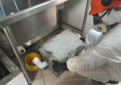 mantenimiento de cajas interceptoras de grasas y aceites lima peru saniseg
