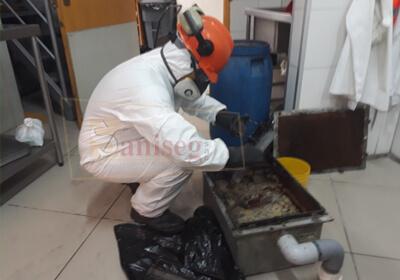 lavado de caja interceptora de grasa y aceite