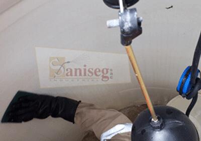 limpieza de un tanque de agua rotoplas, saniseg, lima, peru